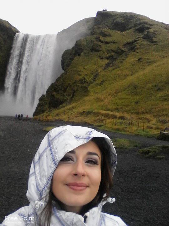 The Essence of Life est une campagne de sensibilisation sur l'impact de l'Homme sur l'environnement. Le Free Spirit a été en Islande pour aborder artistiquement la fonte des glaciers