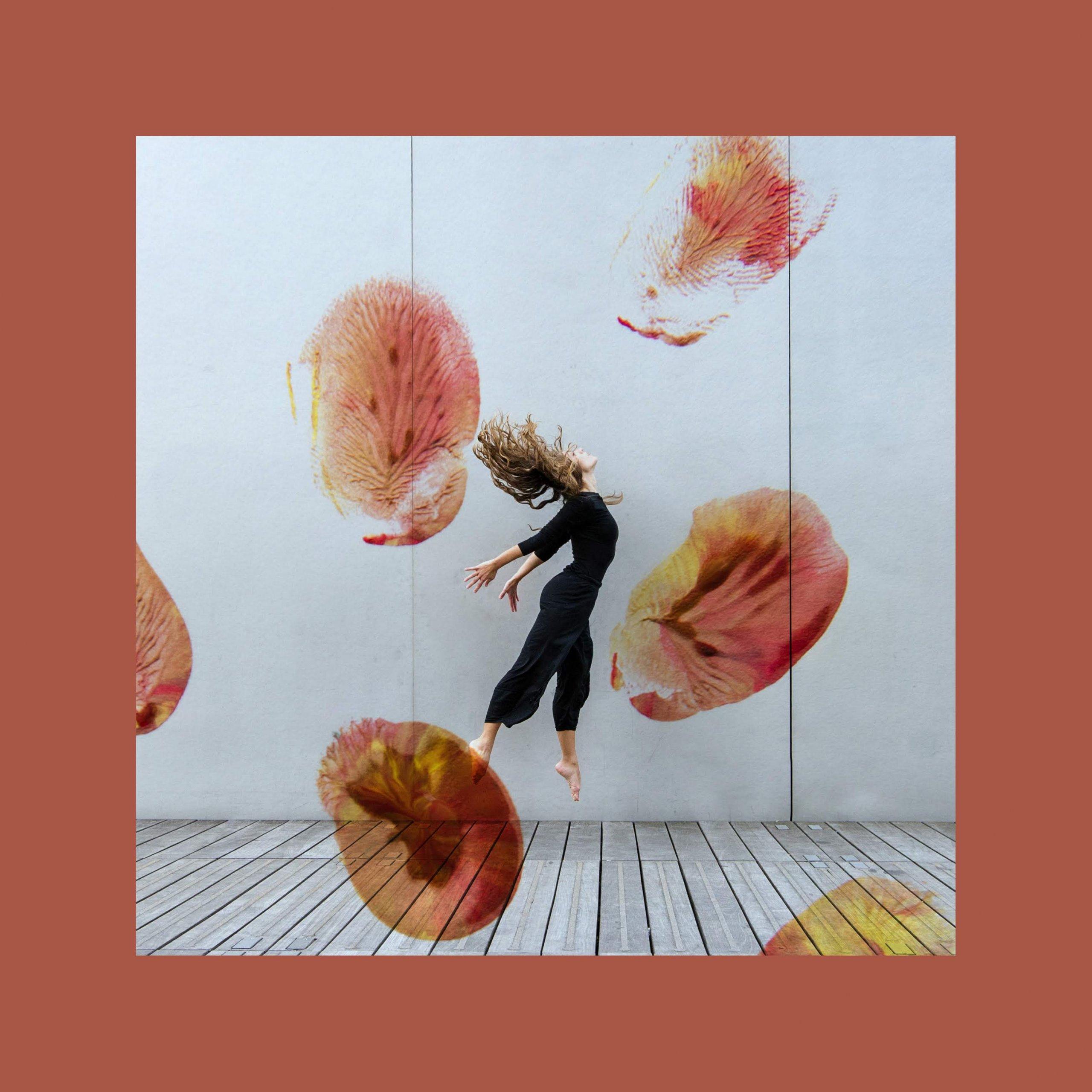 Motus Chroma Free Spirit Nora Houguenade The Dance room Redonner de la place à notre corps dans un monde où le mental prédomine.