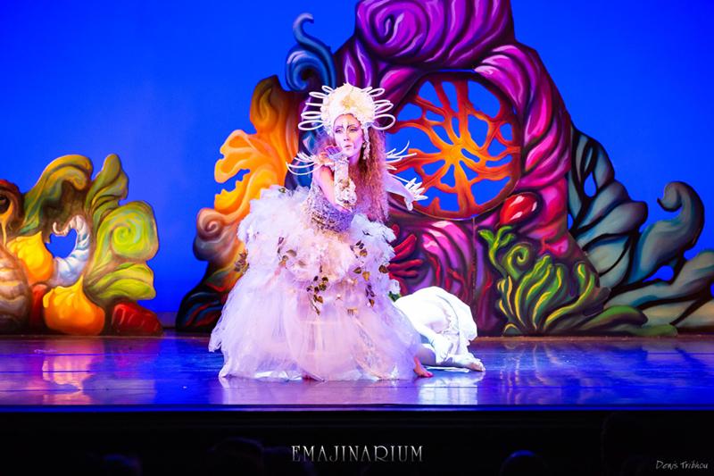 spectacle enfants et adultes EMAJINARIUM décors de scène